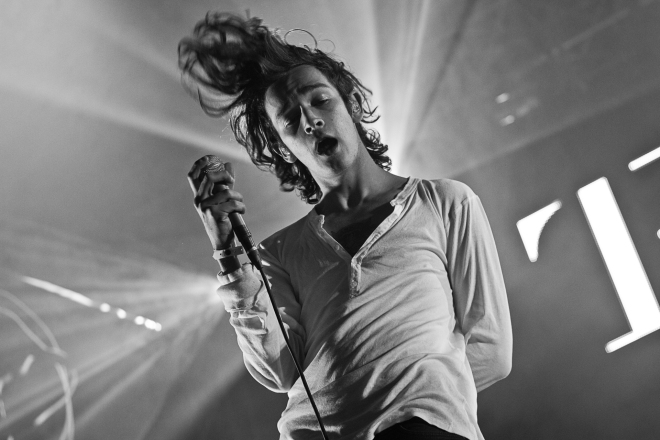 "Photo Credit: ""Matthew Healy of The 1975 at Southside Festival 2014 in Neuhausen ob Eck"" by Markus Hillgärtner, http://www.markushillgaertner.de. Licensed under CC BY-SA 3.0 via Commons"